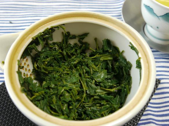 hojas de té verde japonés